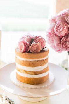 petite naked cake | Bamber Photography