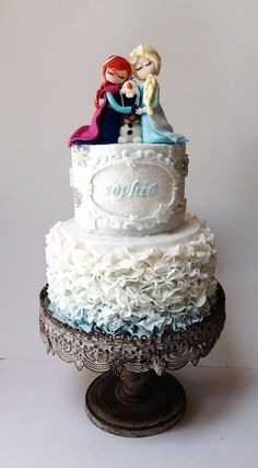 Frozen Cake ~ fondant Anna, olaf and Elsa