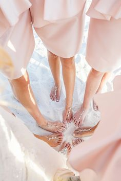 How to plan a #Wedding #Ceremony ♡ BEACH WEDDING SHOE ALTERNATIVE ♡ https://itunes.apple.com/us/app/the-gold-wedding-planner/id498112599?ls=1=8  ♡ Weddings by Colour ♡ http://www.pinterest.com/groomsandbrides/