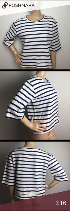 """Zara Trafaluc Striped Sweatshirt Elbow Sleeve Top MEASUREMENTS: (Please note that the measurements are approximate, and is provided for courtesy only) ALL MEASUREMENTS ARE TAKEN WITH GARMENT LYING FLAT: SLEEVES: 12"""" BUST: 20.5"""" WAIST: 20.5"""" LENGHT: 20"""" Zara Tops Tees - Short Sleeve"""