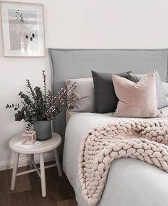 Grau und Pastelltöne - die perfekte Kombination #bedroomdecor #bedroom #bedromideas #bedroomdesign #bedroominteriordesign #bedroomhomedecor #decor #homedecor