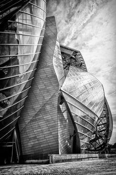 "analogue-underground: ""Frank Gehry's Fondation Louis Vuitton - Paris Via: http://paris-fvdv.blogspot.fr/2014/06/la-fondation-louis-vuitton.html """