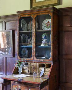 Early eighteenth century japanned cabinet in Elsie Kipling's Sitting Room at Bateman's. ©National Trust Images/Andreas von Einsiedel.nttreasurehunt.wordpress.com