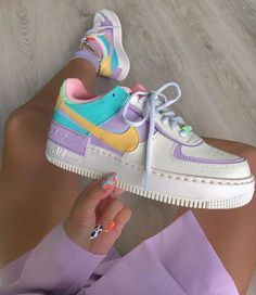 Back to the with these amazing new sneakers from Nike. They come in the original design of the Air Force 1 but then with double layered details. In beautiful pastel rainbow colors. Named Nike Air Force 1 Shadow Pale… Nike Shoes Air Force, Nike Air Max, Nike Air Force 1 Outfit, Air Force Sneakers, Sneakers Fashion, Shoes Sneakers, Fashion Outfits, Fashion Fashion, Nike Women Sneakers