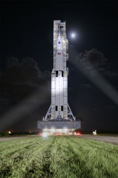 NASA Completes Key Review of World's Most Powerful Rocket in Support of Journey to Mars!!