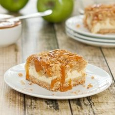 Caramel Apple Cheesecake Bars with Streusel Topping=the ultimate fall dessert!