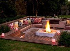 Cool DIY & Backyard Fire Pit Ideas with Comfy Seating Area Design Fire Pit Seating, Backyard Seating, Backyard Patio Designs, Fire Pit Backyard, Garden Seating, Backyard Landscaping, Backyard Ideas, Seating Areas, Landscaping Ideas