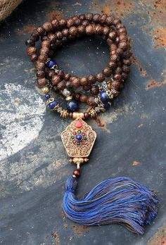 Raktu seed Mala Necklace - Made by look4treasures Loved & pinned by http://www.shivohamyoga.nl/ #yoga #mala