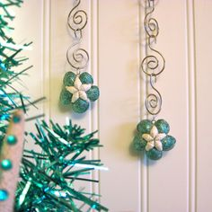 Teal & White Seashell Hibiscus Flower Ornaments