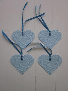 Snowflake heart gift tags  Cadeaulabels met sneeuwvlokken dubbellaags van geembost cardstock/dik papier set van 4 labels in blauw/baby blauw---Kerstmis label