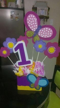 centros de mesa infantiles para cumpleaños y  decoraciones Butterfly Birthday Party, Baby Birthday, 1st Birthday Parties, Daisy Duck Party, Fancy Nancy, Party In A Box, Camping Crafts, Birthday Decorations, First Birthdays