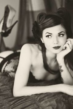 Boudoir Photography - Black Lingerie - Pin-up Hair (Pin Curls) - Black and White - Tattoo - Ink
