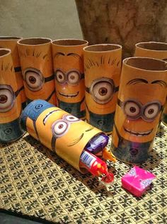 Minion birthday party favors using toilet paper rolls; looks like they laminated a colored copy of a minion and glued it to a toilet paper roll. Minion Party Theme, Despicable Me Party, Minions Despicable Me, Minion Birthday, 6th Birthday Parties, Birthday Fun, Birthday Ideas, Party Favors, Party Time