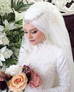 Newest Pic Bridal Headpiece muslim Suggestions Wedding planning hair equipment are generally a vital area of the fantastic marriage ceremony look o Sweet Wedding Dresses, Hijab Wedding Dresses, Disney Wedding Dresses, Muslim Wedding Gown, Muslim Brides, Muslim Couples, Bridal Hijab, Bride Veil, Royal Brides