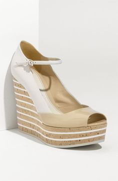 Gucci 'Eilin' Wedge Sandal in Powder Mystic White