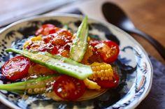 切っただけ茹でただけの夏野菜が だしジュレをかけるだけで おもてなしにも使えそうなひと皿に!  市販の白だしを使って 簡単にできるレシピです。