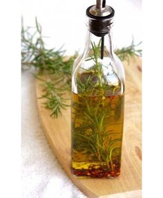 Natural Remedies for Psoriasis.What is Psoriasis? Causes and Some Natural Remedies For Psoriasis.Natural Remedies for Psoriasis - All You Need to Know Hair Remedies For Growth, Home Remedies For Hair, Hair Growth, Psoriasis Diet, Psoriasis Remedies, Psoriasis Disease, Severe Psoriasis, Rosemary Oil For Hair, Diy Hair Oil