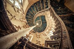 Old Staircase [500 x 334] - Imgur