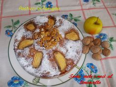 Questo dolce, tipicamente autunnale, è una ricetta ideata da me. Nella mia famiglia sono molto apprezzati i dolci alle mele ma anche il famoso dolce alle noci che mia madre preparava sempre a noi da piccini.