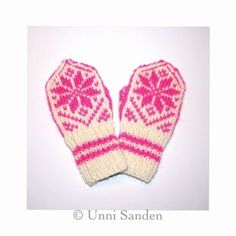 Selbuvotter str år - Lilly is Love Baby Hat And Mittens, Knit Mittens, Baby Socks, Mitten Gloves, Knitting For Kids, Baby Knitting Patterns, Crochet Patterns, Baby Barn, Baby Booties