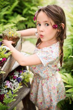 Child Smile, Garden Shop, Garden Gifts, Animal Jewelry, Flower Fashion, Kids Fashion, Flower Girl Dresses, Bloom, Wedding Dresses