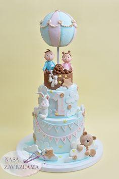 TWINS BIRTHDAY CAKE #twinsbirthdaycake #cakefortwins #instacake #cakedecorating #cakephotography #cakestagram #cakestag #birthdaycake #rodjendansketorte #decijetorte #decijatorta #rodjendanskatorta #tortebeograd #nasamalazavrzlama #belgradecakes #ukusno #food #dessert #handmade #yummy #nasa_mala_zavrzlama #zavrzlama