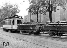 """Berlin im August 1944 Strassenbahn """"Gueterzug"""""""