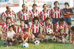 Esta fue la camiseta de 1980, con la que Junior alcanzó su segundo título. Retro, Sketches, Couple Photos, Madrid, Stoner Art, Soccer Jerseys, Barranquilla, Sports, Second Best