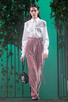 See the complete Elenareva Ukraine Spring 2017 collection.