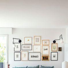 Tendances déco 2021 salon - Côté Maison Inside Outside, Piece A Vivre, Foyer, Gallery Wall, Frame, Home Decor, Living Spaces, Picture Frame, Decoration Home