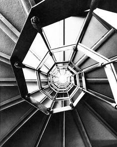 Genova Franco Albini  Galleria di Palazzo Rosso,  staircase  1952-1962