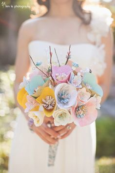 Custom wedding paper bouquet, so unique! Paper Flowers Wedding, Diy Wedding Bouquet, Wedding Paper, Diy Bouquet, Spring Bouquet, Button Bouquet, Deco Champetre, Dream Wedding, Wedding Day