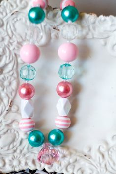 Girls Chunky Bead necklace.