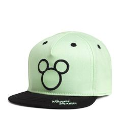 Mint green/Mickey Mouse. Cap in cotton twill with a motif at front and elastication at back.