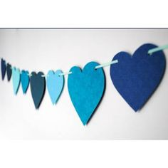 Could do in shape of buttons in felt for Lalaloopsy party Blue Bunting, Bunting Garland, Garlands, Lalaloopsy Party, Happy Party, Ideias Diy, It's Your Birthday, Paper Hearts, Valentines Day Party