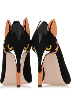 The Shoes: RED Valentino fox heeled pumps, Well, these guys look kinda sheepish, don't they? Or should that be 'foxish'? They're supposed to be foxes, as … Dream Shoes, Crazy Shoes, Me Too Shoes, Weird Shoes, Fox Shoes, Shoe Boots, Shoes Heels, Pretty Shoes, Beautiful Shoes