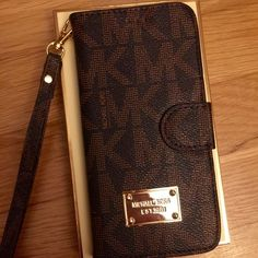 e5995374b47a MK WALLET IPHONE 6s or plus case Fast shipping Michael Kors Accessories Mk  Wallet, Iphone