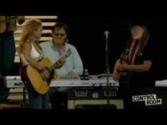 """Willie Nelson & Sheryl Crow """"On the Road Again"""" live 2007 Crossroads - stereo - YouTube"""