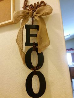 Cute easy inexpensive decoration. ..could be used for any holiday just spell differrnt words