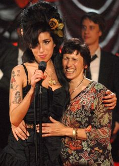 Janis Winehouse-Collins, the mother of the late Amy Winehouse, has revealed her daughter may have suffered from Tourette's Syndrome. Divas, Amy Jade Winehouse, Amazing Amy, Neo Soul, Jazz, Rhythm And Blues, Beautiful Voice, Jackson, London City