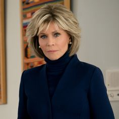 jane fonda grace and frankie Playing Grace Hanson initially triggered feelings of abandonment. Hair Styles For Women Over 50, Medium Hair Styles, Short Hair Styles, Haircut For Older Women, Older Women Hairstyles, Hairstyles For Over 60, Short Hair With Layers, Short Hair Cuts, Jane Fonda Hairstyles
