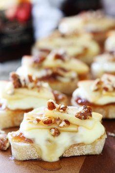 Brie Apple and Honey CrostiniReally nice recipes. Every Mein Blog: Alles rund um die Themen Genuss & Geschmack Kochen Backen Braten Vorspeisen Hauptgerichte und Desserts
