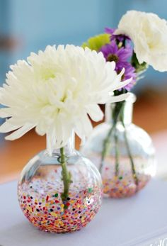 DIY painted dot vases for cute spring decor.
