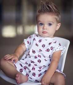 Renan 3 baby boy first haircut, baby boy hairstyles, little boy Toddler Boy Haircuts, Toddler Boys, Baby Kids, Baby Boy Pictures, Baby Photos, Beautiful Children, Beautiful Babies, Baby Boy Fashion, Kids Fashion
