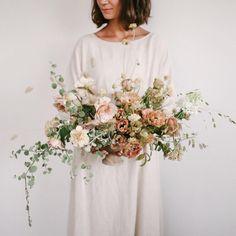 Wedding Flower Arrangements, Wedding Centerpieces, Floral Arrangements, Wedding Decorations, Spring Wedding Flowers, Floral Wedding, Boutonnieres, Bride Bouquets, Marie