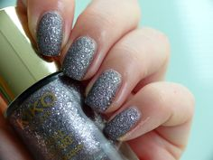kiko haute punk le real glare nail lacquer 05 alternative grey taupe