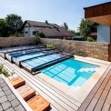 Stunning Small Backyard Designs Ideas With… Small Backyard Decks, Backyard Pool Designs, Pool Landscaping, Pool Decks, Backyard Play, Swimming Pool House, Swiming Pool, Swimming Pool Designs, Pool Enclosures