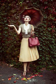 Idda Van Munster: Vintage Inspired Autumn Outfit, with Irregular Choice Bloxy (Burgundy) Vintage Inspired Fashion, Retro Fashion, Vintage Fashion, Womens Fashion, Vestidos Vintage, Vintage Dresses, Vintage Outfits, Retro Mode, Vintage Mode