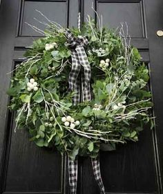 Bayberry Christmas wreath black door with Toni Kami  Joyeux Noël  Perfection! nicolefranzen.blogspot.com