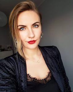 About saturday Day night… Girls Diary, Selfie, Polish Girls, Insta Makeup, Blonde Hair, Hair Makeup, Make Up, Portrait, Night